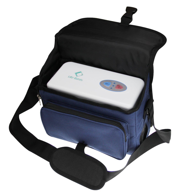 progettato per coprire ogni tipo di <strong>esigenza di mobilità</strong> (ed è quindi adatto sia per un uso casalingo che per le quotidiane uscite di casa o in caso di viaggio). Dotato di tecnologia a <strong>onda pulsata</strong> che permette al paziente una <strong>ginnastica riabilitativa del meccanismo del respiro</strong>, l'Inogen One G2 pesa appena 2,6 kg senza batteria, le batterie sono fornite in modelli da quattro od otto ore, è in grado di generare un livello di flusso variabile fra uno e sei litri al minuto, può essere alimentato sia via AC che per DC, ha bisogno di una <strong>manutenzione minima</strong> nel cambio periodico del filtro, ha due anni di garanzia, produce <strong>poco rumore</strong> (analogo a quello di un frigorifero a riposo), è dotato di allarmi e, infine, ha <strong>dimensioni davvero ridotte</strong>: 27 x 24 x 10 cm.